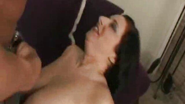 आदमी एक पूंछ के सेक्सी मूवी दिखाओ हिंदी में साथ और योनि के साथ एक परी योगिनी को चोदता है जिसने उसकी खिड़की में उड़ान भरी