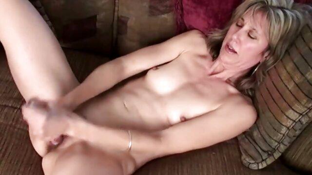 इतालवी गधा कुतिया, कोरियोग्राफी के बजाय, हार्ड गुदा सेक्स के मूवी सेक्सी पिक्चर वीडियो में सपने देखता है और इसे प्राप्त करने के लिए तैयार है, गुदा के साथ सुंदर पोर्न