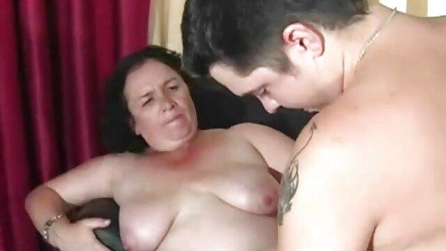 युवा समलैंगिक लड़कियां एक-दूसरे के पस को निचोड़ने और सेक्सी फुल मूवी वीडियो में चाटने के लिए भूलकर भी एनीमे के पात्रों को एंजॉय करती हैं