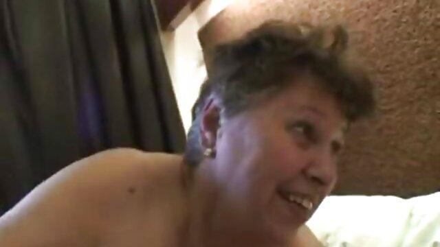 मेच्यूर मिल्फ ने एक युवा उपदेशक को उसकी गांड चोदकर और सारे सेक्सी फिल्म मूवी में शुक्राणु चूस कर बहकाया