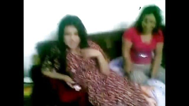 एक नए काम पर पहले दिन एक शर्मीली सफाई महिला ने अपने गुदा मूवी सेक्सी हिंदी में वीडियो की मांसपेशियों का एक कठोर विश्लेषण किया