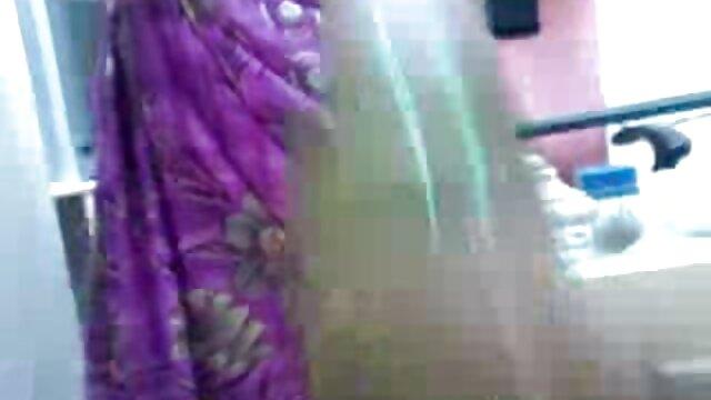लैटिना एक बड़ा मोटा गधा और प्राकृतिक स्तन के साथ लैटिन अमेरिकी नृत्य शिक्षक हिंदी में सेक्सी वीडियो फुल मूवी 171; सालसा 187;