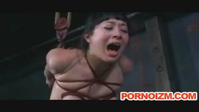 कामुक मैक्सिकन महिला एक बड़े छेद-मुर्गा के साथ एक अंधेरे छेद को चीरती है, और वह एक कुंवारी की सेक्सी वीडियो हिंदी में मूवी तरह बोलती है
