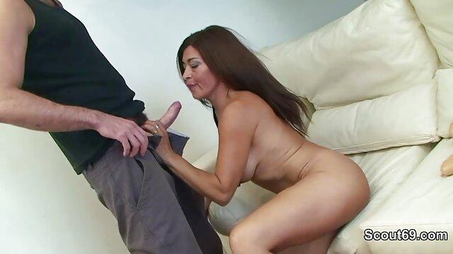 प्रकार एक महिला के शरीर वीडियो में सेक्सी पिक्चर मूवी पर खुले छेदों को विशालकाय हुवाएडोलमीटर से पंप करते हैं